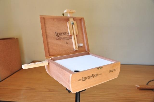 Cigar Pochade Box on Tripod